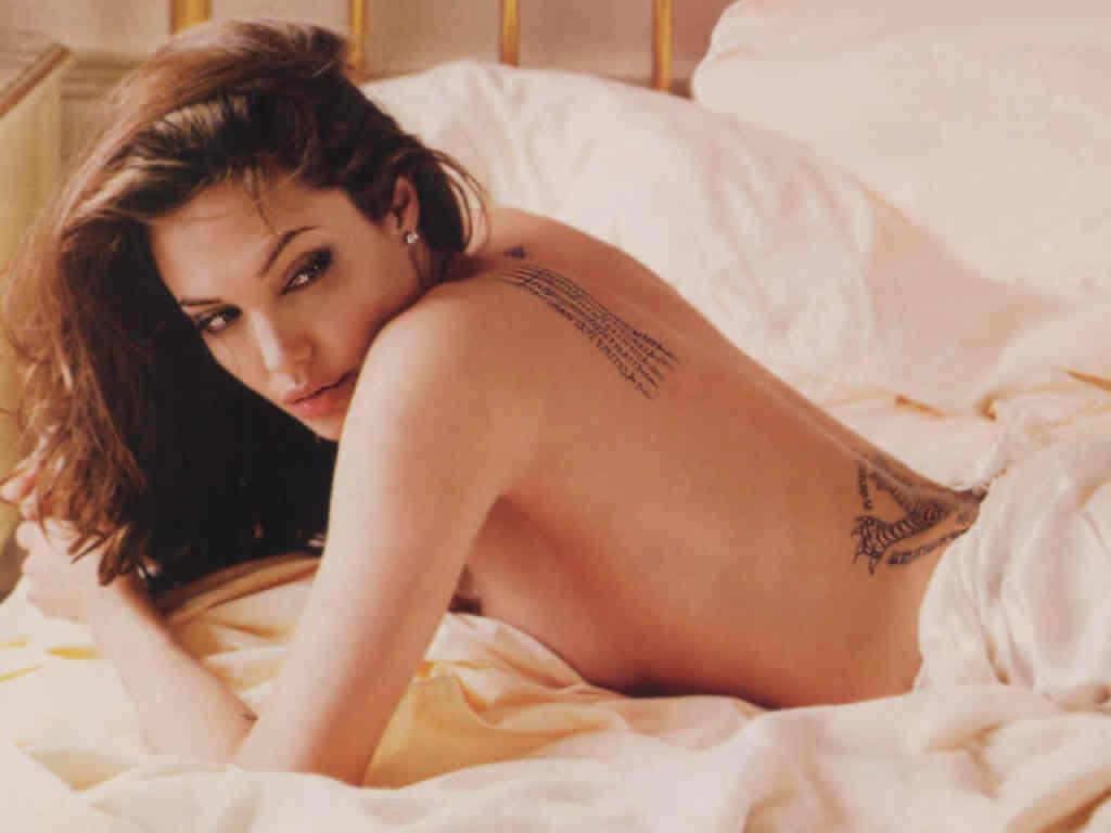 ANGELINA JOLIE: TOP SEXIEST HOLLYWOOD ACTRESS