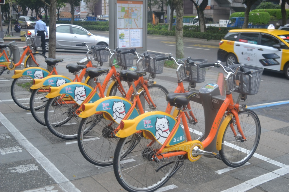 these bikes are available throughout the city. just run your easy card through the censor and you're off!