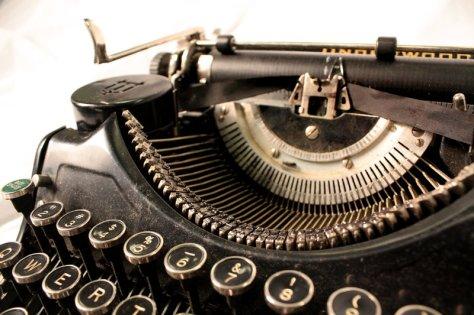 Old_typewriter__by_KaheriynneAnne